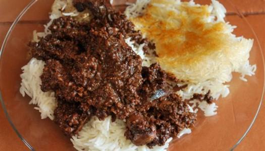 Khoresht Fesenjan ~ Persian Pomegranate and Walnut Stew