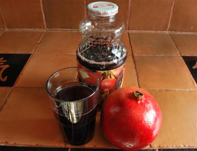 pomegranate-juice2-small