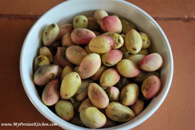 raw-pistachio1-small